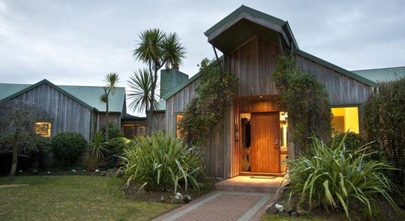 Whakaipo Lodge